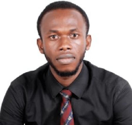 Frank Eze Wins Pharmanews Young Pharmacist of the Year Award